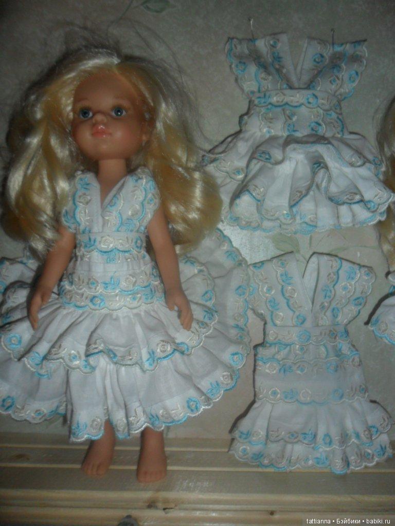 Платье для куклы высотой 33 см