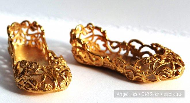 выполнены из латуни с покрытием из золота