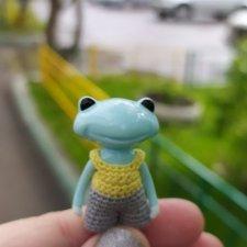 Маленький лягушонок в большом городе (Wonder Frog от Studio uoo)