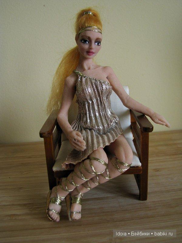 Кукла для кукольной миниатюры