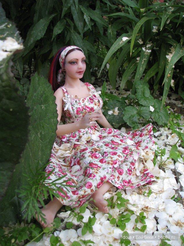 Силиконовая кукла-девушка. Масштаб 1:4