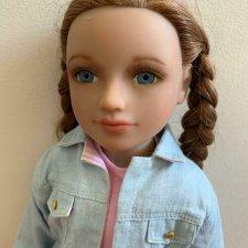 My Salon doll Olivia с рыжеватыми волосами и голубыми глазами в аутфите от Magic Attic