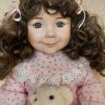 Коллекционная фарфоровая кукла «Сахар и специи» из коллекции «Матушка Гусыня Дианны Эффнер
