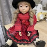 Фарфоровая будуарная куколка