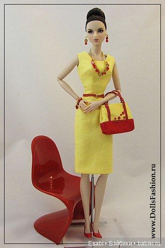 Платье, сумка и украшения на Fashion Royalty