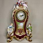 Каминные фарфоровые часы с фигурами . Фабриз . Италия . Винтаж.