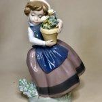 Девочка с цветами . Lladro. Испания