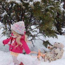 Женька на зимней прогулке