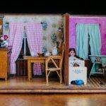 Огромный антикварный дом для кукол. 1900 г.