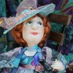 Дама в голубой шляпе