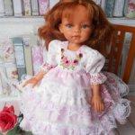 Нарядное платьице с вышивкой для кукол Паола Рейна