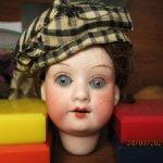 Антикварная мини-куколка под реставрацию.