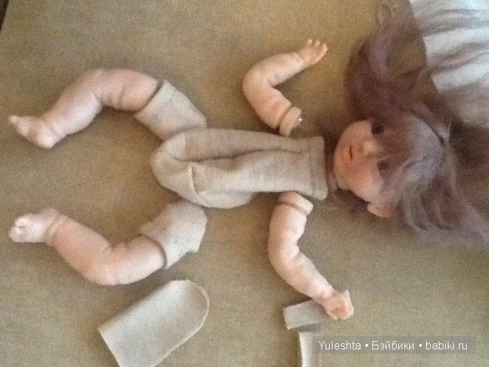 Это кукла с конечностями 3/4, но крепления у моих куколок все одинаковые