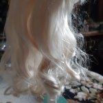 Парик - мохер, очень качественный от Monique. Волосы мягчайшие. Настоящий платиновый цвет!