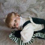 Фарфоровая кукла с подушкой. Родной аутфит