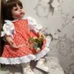 Красивое платье на большую куклу  .