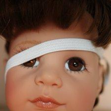 Реснички кукол можно приподнять вверх