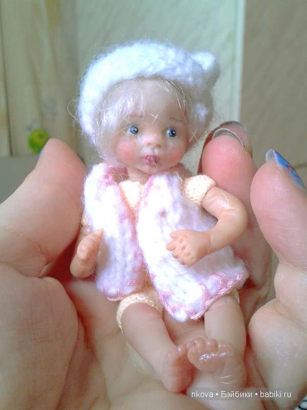 Вот мое новое творение -кукла на ладошке