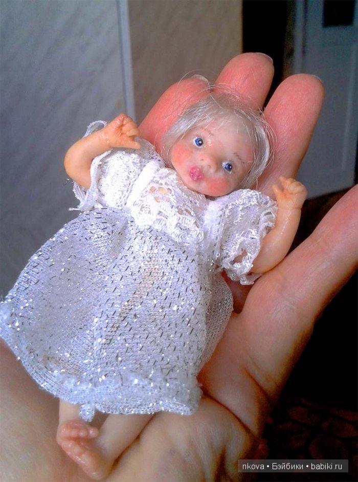 Кукла на ладошке