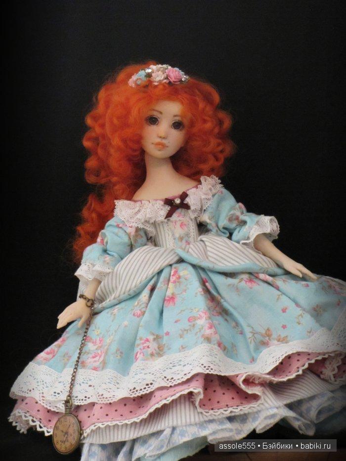 """София """"Волшебный сад"""" не раздеваемая куколка болтушка, на подушечке."""