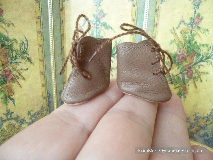 Маленькие ботиночки на шнуровке для куклы, длина 22 мм