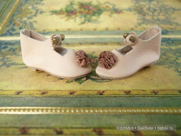 Маленькие кожаные туфельки с каблуком для куклы, длина 29 мм
