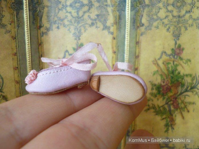 Крошечные кожаные туфельки для куклы, длина 22 мм