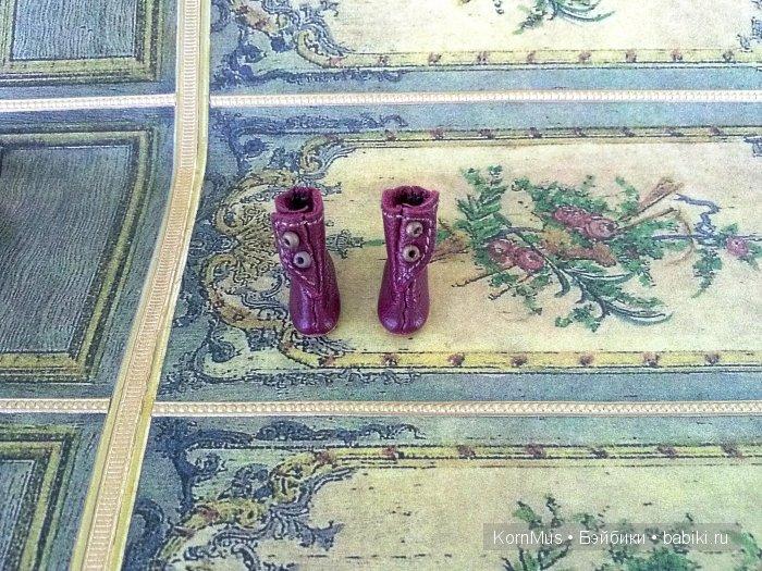 Крошечные коричневые сапожки для куклы, длина 16 мм