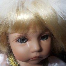 Может кто-то подскажет? Про куклу Линды Рик из серии «Key to My Heart» —  «Now many frogs...Must i kiss»(«Нынче много лягушек… Должна ли я их целовать?»)