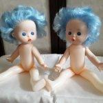 Две сестрички с голубыми волосами