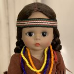 Винтажная кукла Madame Alexander Pocahontas doll