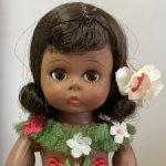 Винтажная кукла Madame Alexander Hawaiian doll