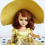 Винтажная кукла Nancy Ann storybook dolls в желтой шляпе