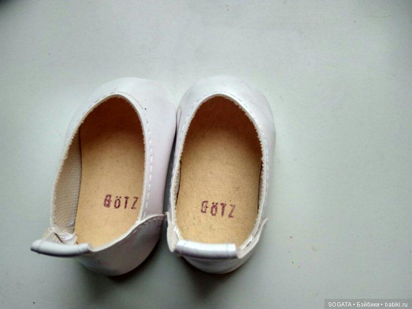 Туфельки Гётс к кукле на третьем фото