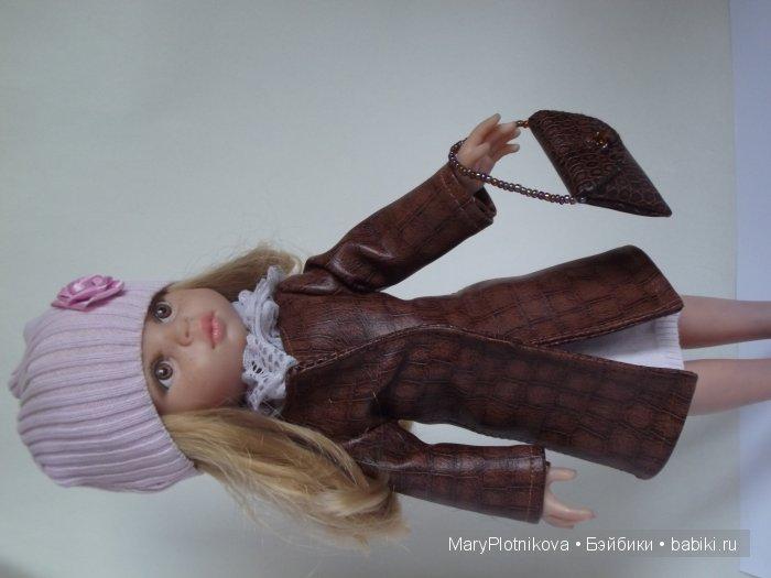 Платье на Паолку 32 см, пальто кожзам под кожу рептилий,шапочка трикотаж, сумочка.