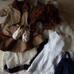 Лот одежды для куклы.