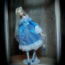 Авторская шарнирная кукла по имени Алиса