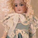 Кружевной боннет для антикварных кукол и реплик 55-65см роста.