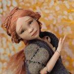 Солнечная птичка. Фарфоровая шарнирная кукла.