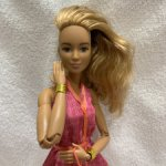 Барби фешенка 44 шарнирная Лея перепрошитая Barbie