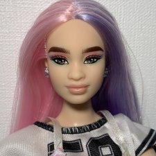 Барби Экстра пышка азиатка цветные волосы