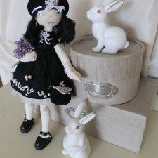 """""""Маленькое черное платье"""". Текстильная кукла"""