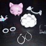 Лот аксессуаров от куклы Барби Экстра Милли (блондинка). Питомец свинка, очки, ожерелье, серьги