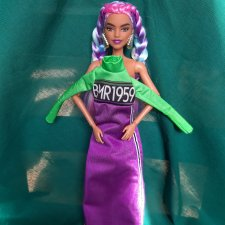 Разная  одежда для кукол Барби лотом