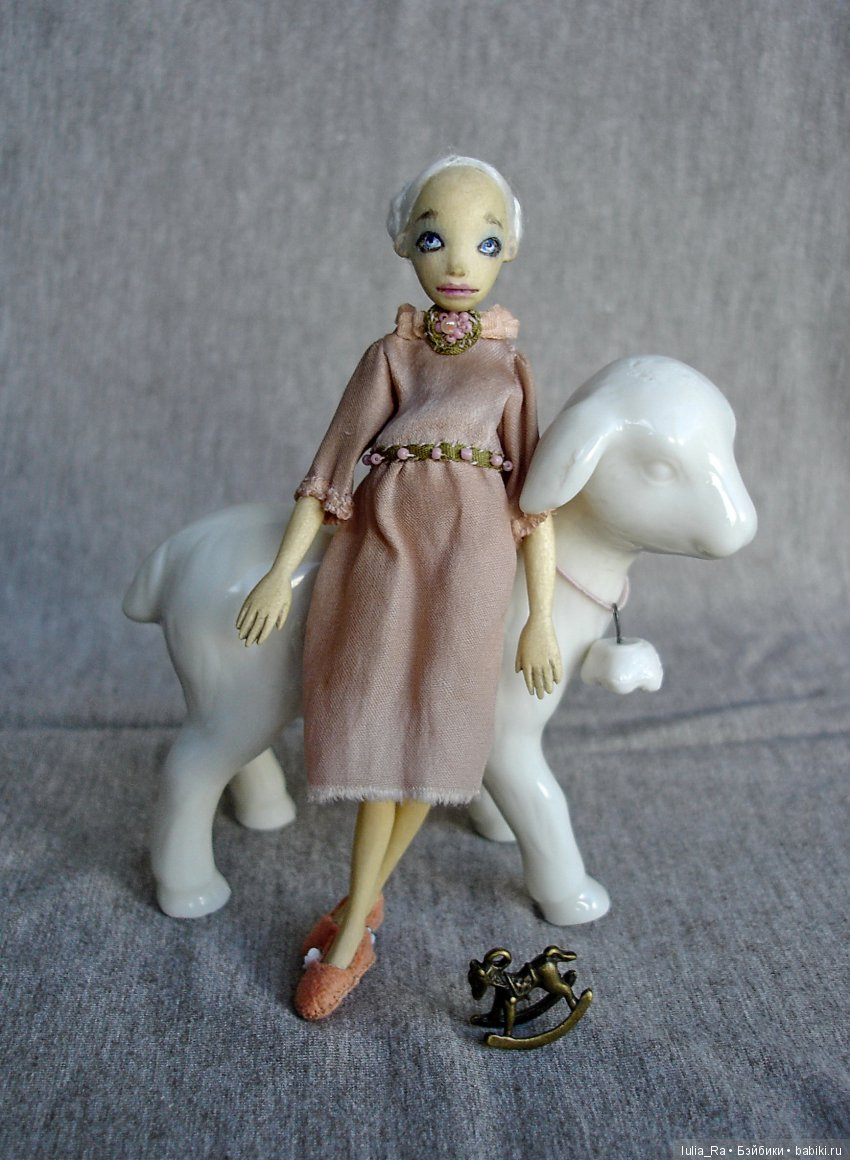 Куколка из дерева,10 см