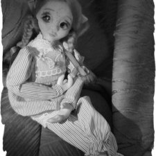 Небольшая фотосессия авторской куклы перед походом в шопик