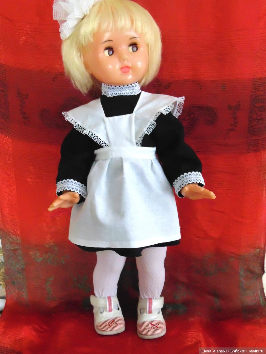 Открытка кукла, днем полиции