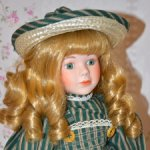 Фарфоровая кукла The Classique Collection, Англия