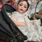 Антикварная малышка в коляске Каммер Рейнхард 122, рост 26 см