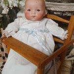 Антикварный Пупсик Арманд Марсель с детским стульчиком